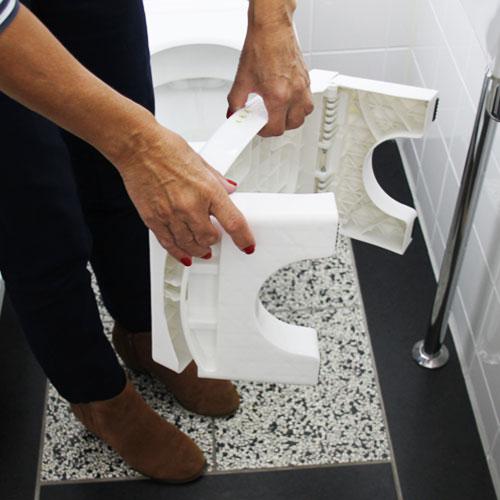 opruimen klein wc krukje